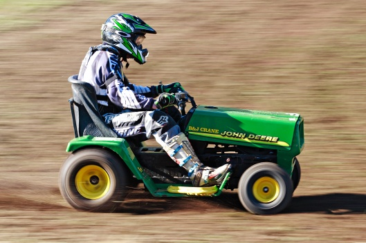 2007_swifts_creek_lawnmower_races01