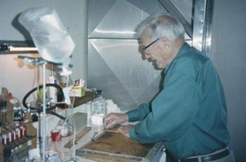 Charles-Mraz-preparing-dry-venom